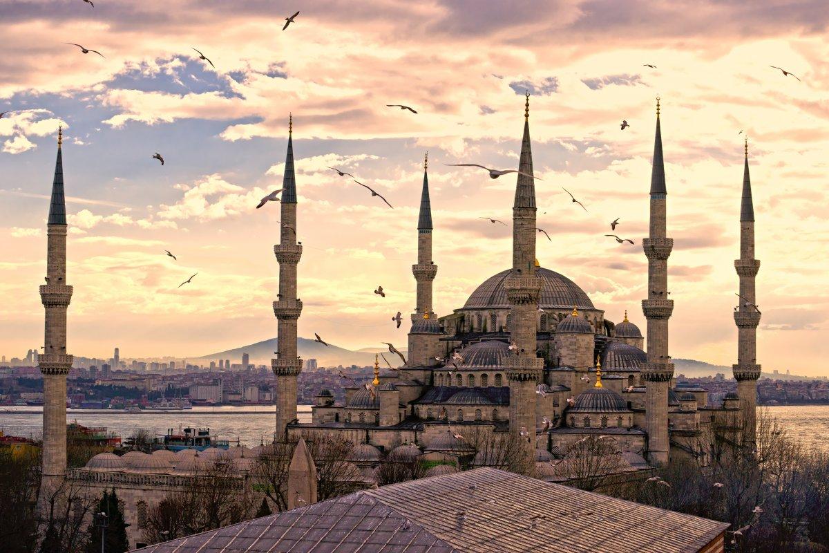Голубая мечеть в Стамбуле была построена в начале XVII века.