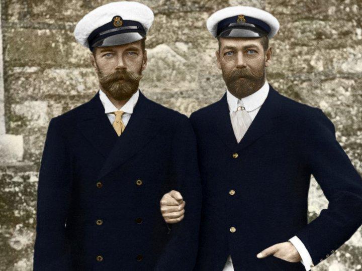 23. Всероссийский император Николай II со своим двоюродным братом английским королем Георгом V