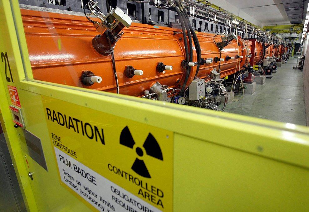 Внутренний  детектор ATLAS , 23 августа 2006 года. Детектор производит огромное колич