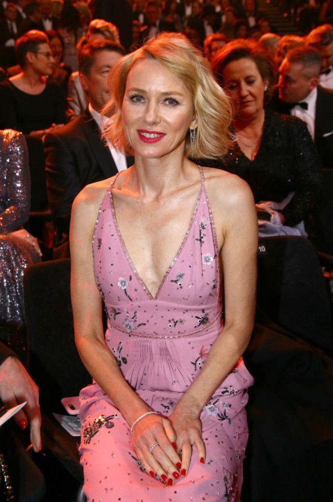 Дженнифер Энистон Наоми Уоттс было и стало известность актрисы 14 февраля из прошлого 23 февраля
