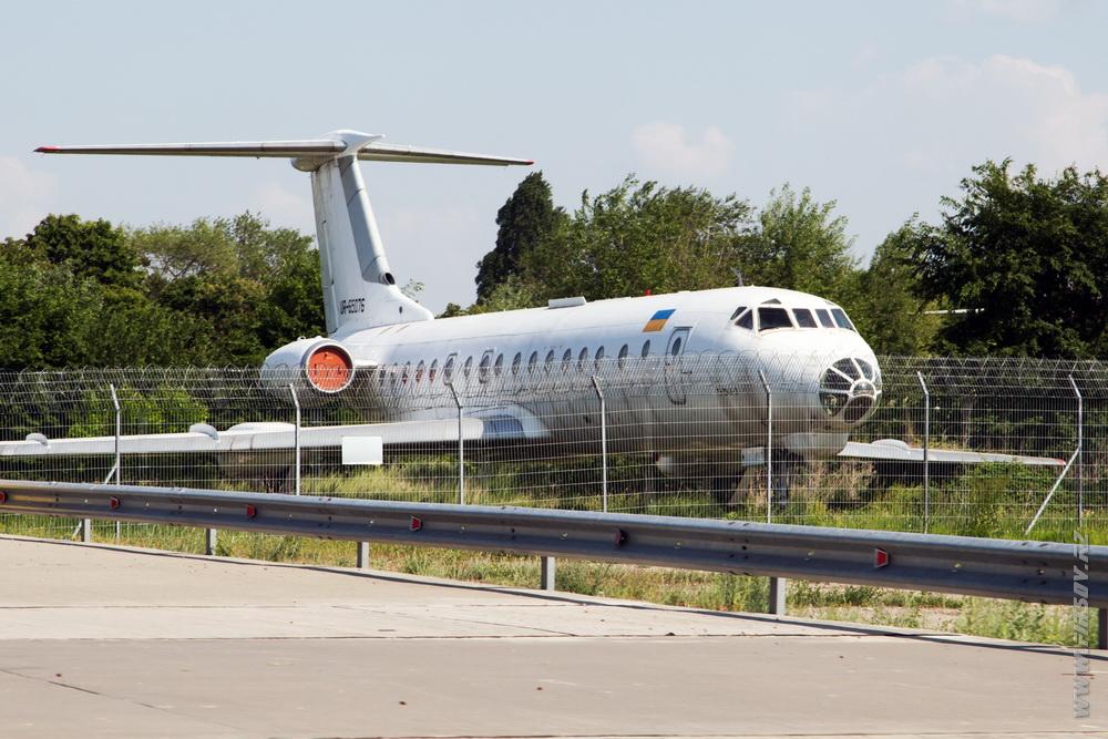 Tu-134_UR-65076_Komplektimpex _2.JPG