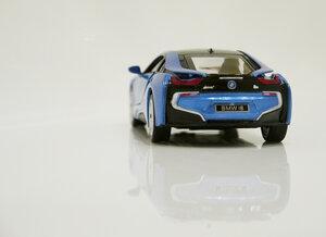 Машинка металлическая кинсмарт BMW i8