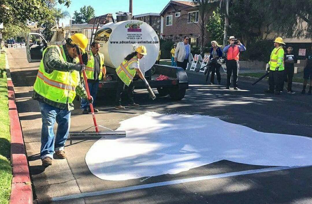 15 улиц Лос-Анджелеса выкрасили в белый цвет
