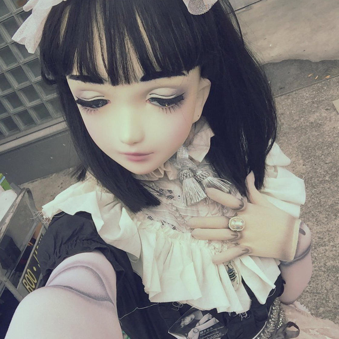 This Japanese doll is alive, and it's pretty disturbing