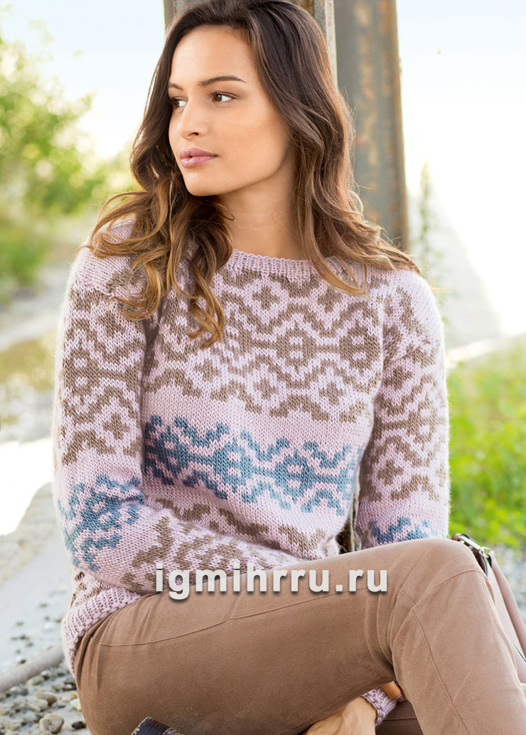 Женственный пуловер с двухцветным жаккардовым узором. Вязание спицами