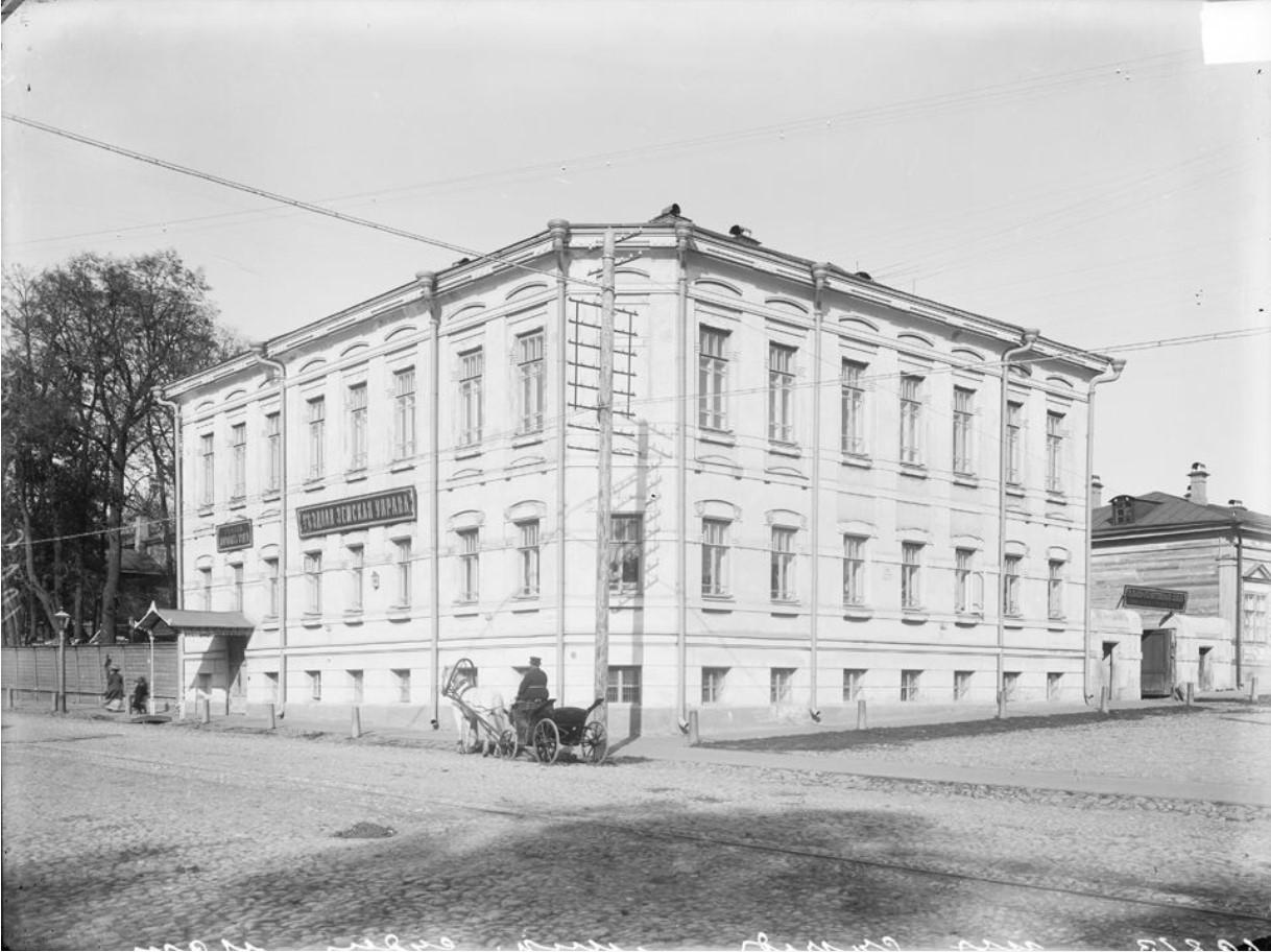 Внешний вид здания уездной земской управы (улица Большая Печерская, дом 28)