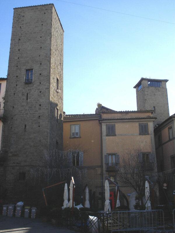030-башня на пьяцца Джезу.jpg