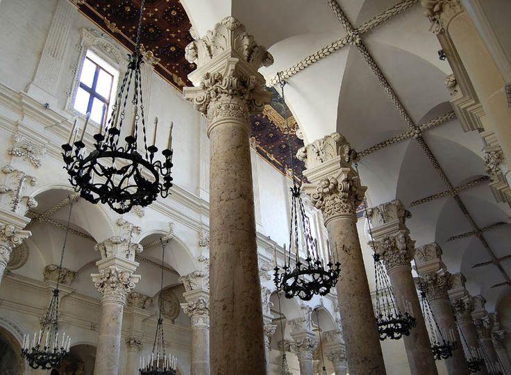 c3e413714234f492ce8b5167f423a78d--baroque-architecture-lecce.jpg
