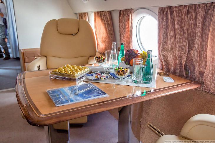 Самолеты для богатых: Ту-134 (26 фото)