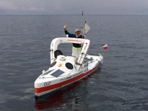 Суши весла: польский пенсионер пересек Атлантику на байдарке, проплыв более 100 дней