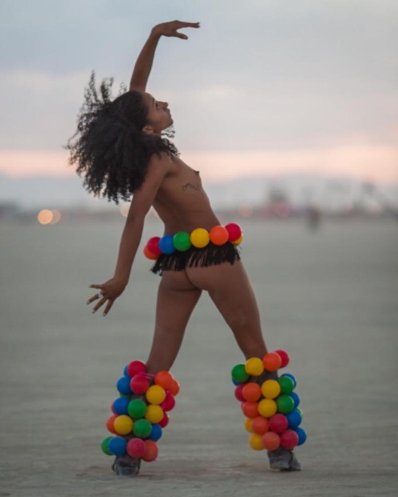 Самые красивые девушки фестиваля Burning Man 2017