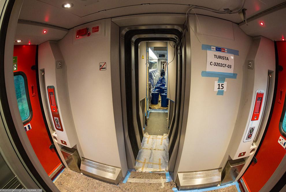 21. Поезда Тальго, кстати, уже около 10 лет эксплуатируются в Казахстане. А уж там весьма суровые по