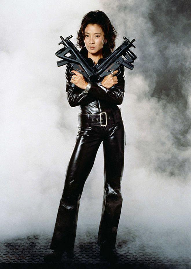 У Бонда и раньше были экзотические девушки, но только Вей Лин (точнее, сыгравшую эту роль Мишель Йео