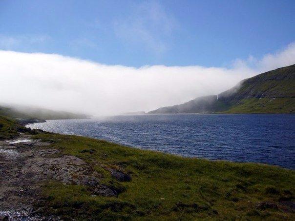 Сорвагсватн — озеро над океаном
