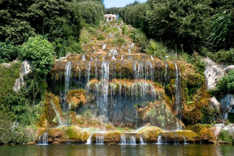 The-great-waterfall-in-the-park-of-the-Royal-Palace-of-Caserta-Italy