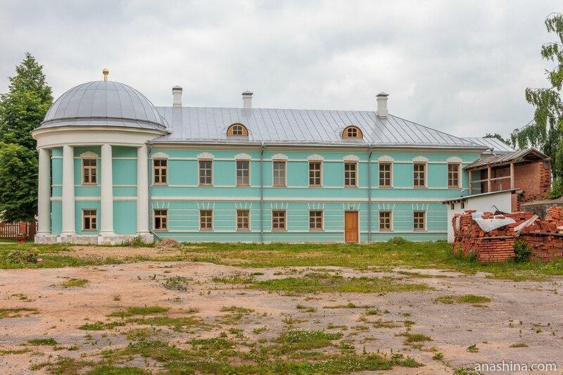 Братский корпус, Новоторжский Борисоглебский монастырь, Торжок