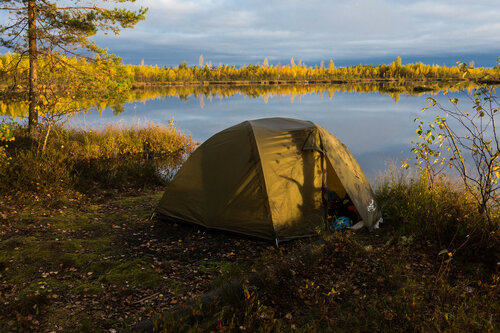 ночевка в палатке на берегу озера на тесовских торфоразработках