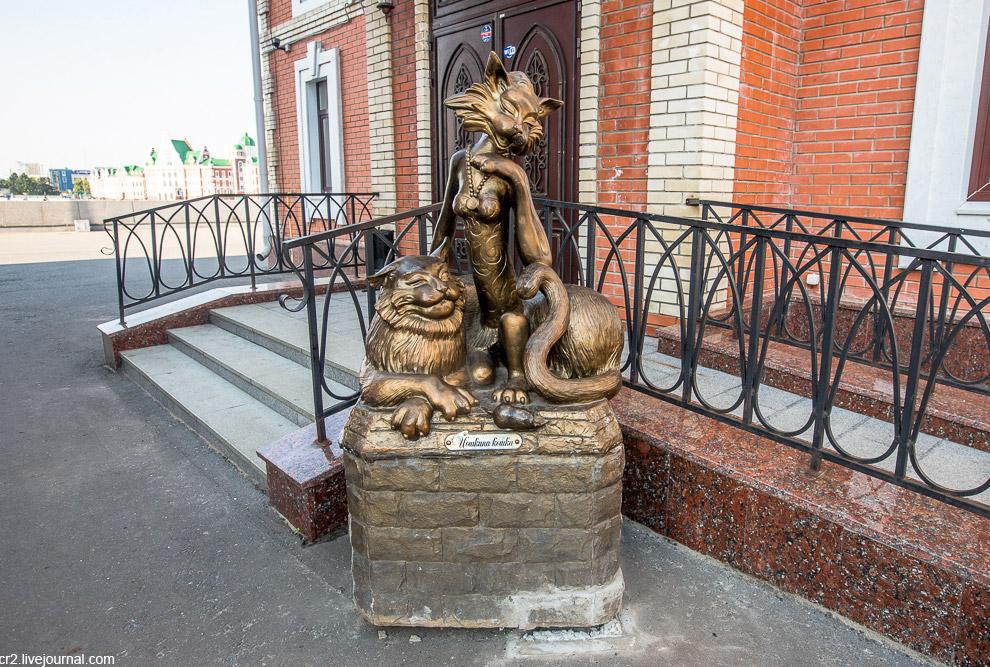 Хоть памятники и новые, само понятие «Йошкин кот» очень древнее и идёт к славянской мифологии