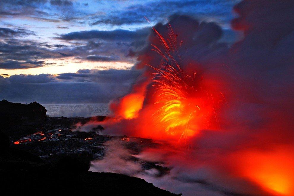Диаметр его кратера (около 4.5 км) считается наибольшим в мире.