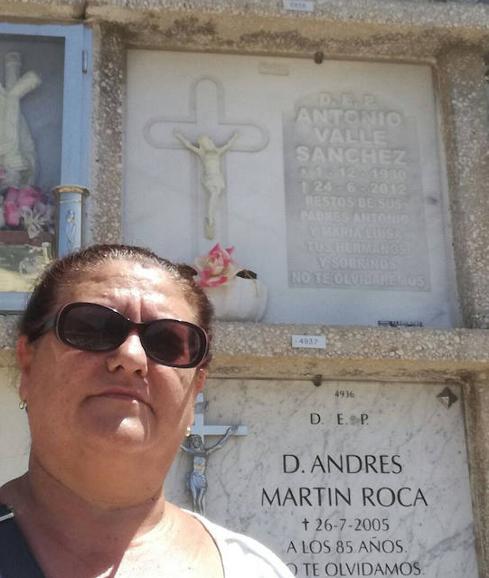 Все началось семь лет назад, когда полная тезка Эскудеро умерла в Малаге, Испания. Несмотря на то, ч