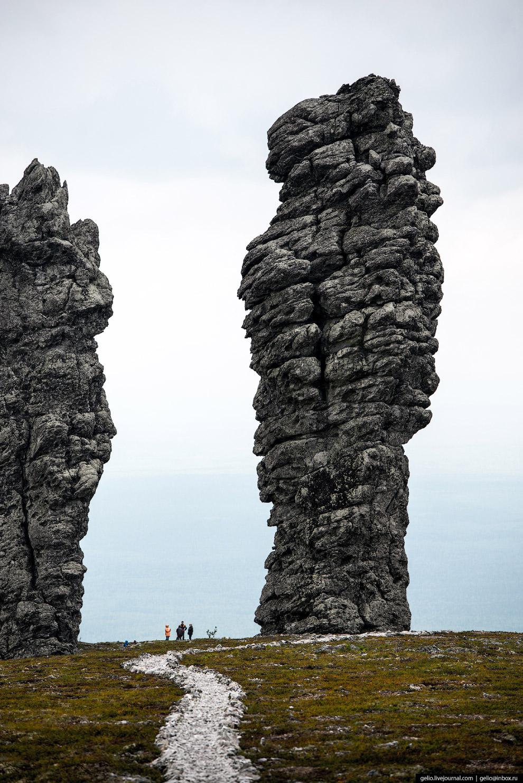24. Версия искусственной природы идолов не выдерживает серьезной научной критики. Однако в каменных