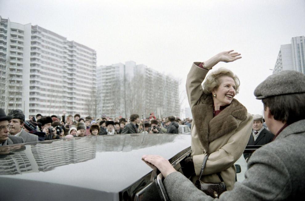 5. Генеральный секретарь ЦК КПСС Михаил Горбачев налаживает контакт с премьер-министром Великобритан