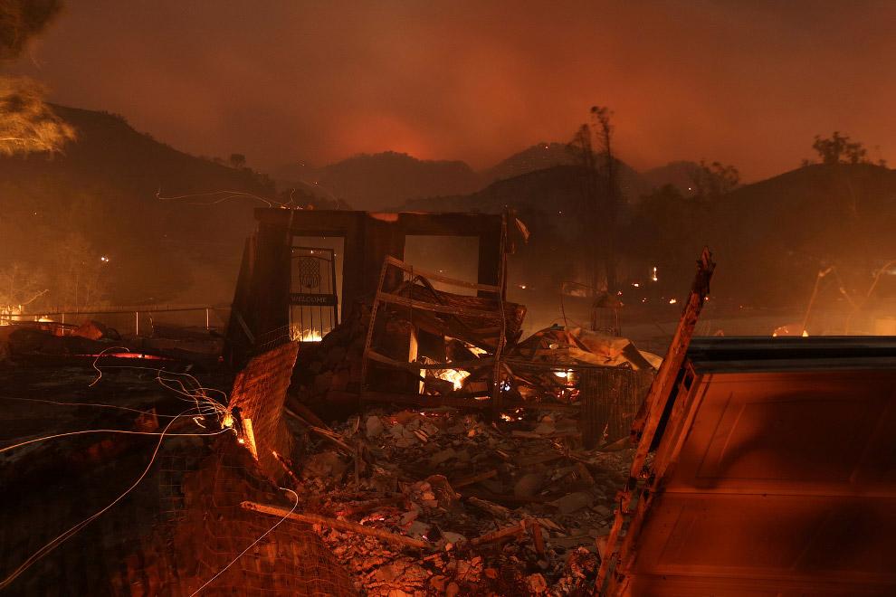 10. Самый крупный очаг возгорания находится в округе Вентура, здесь, по состоянию на четверг, горят