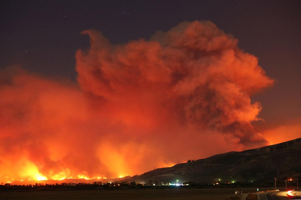 13. Санта-Паула, Калифорния, 4 декабря 2017. (Фото David McNew | Reuters):