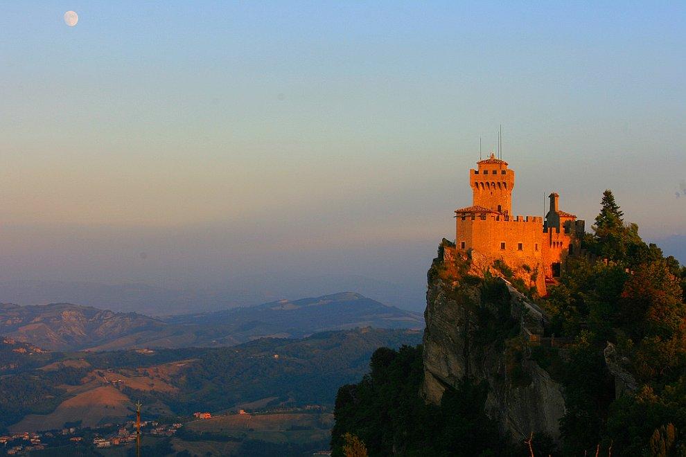Сан-Марино - одно из самых маленьких государств в мире