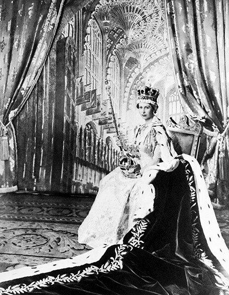 queen-new-portrait2--z.jpg