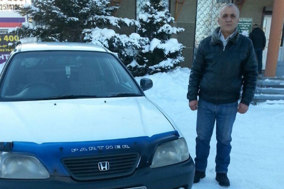 В Ангарске таксист протаранил автобус, чтобы спасти зажатого в дверях ребёнка