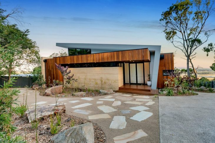The Little Brick Studio   designed this stunningcontemporary two-story residence si