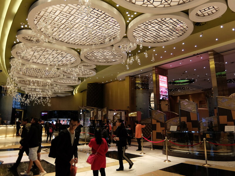 Макао - В интерьерах казино Grand Lisboa