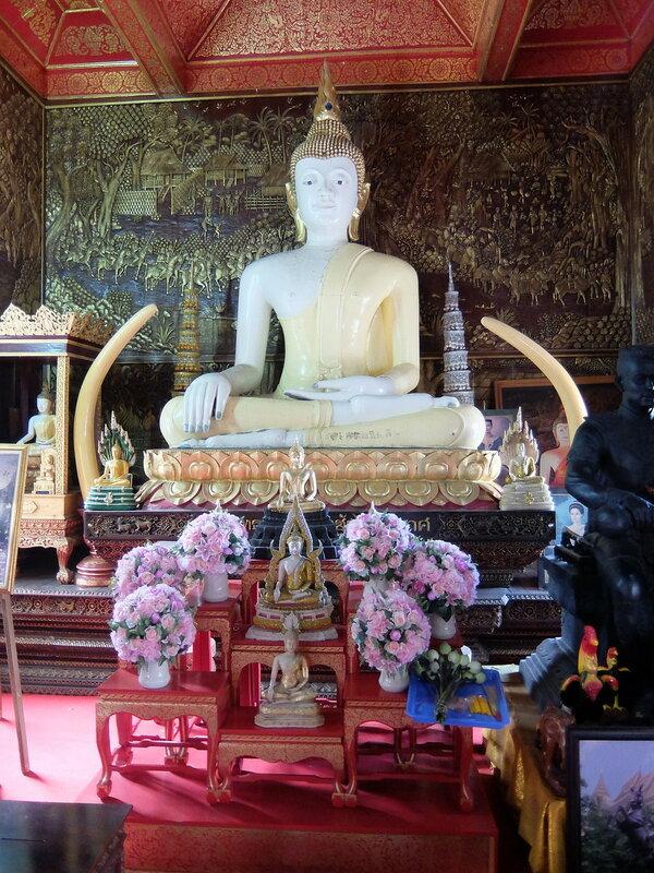 Чиангмай - Статуя Будды