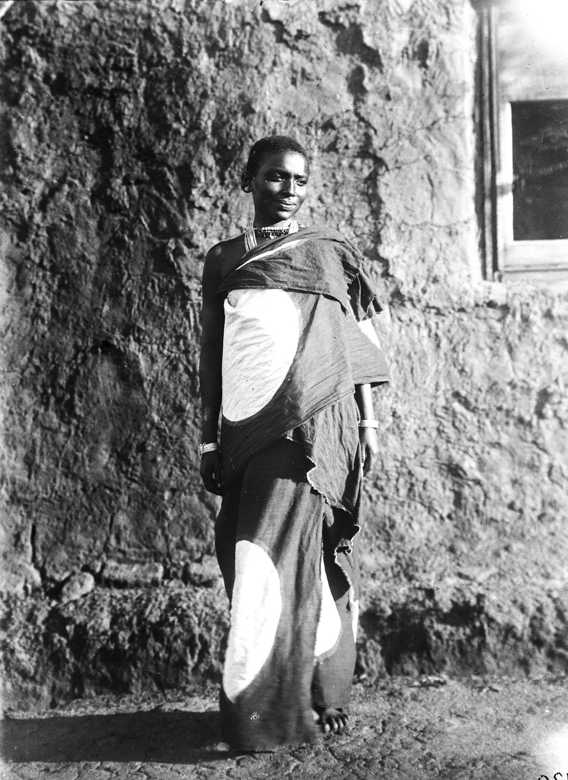 56. Женщина масаи