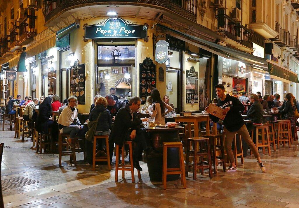 Ночная Малага. Ресторан Pepa y Pepe