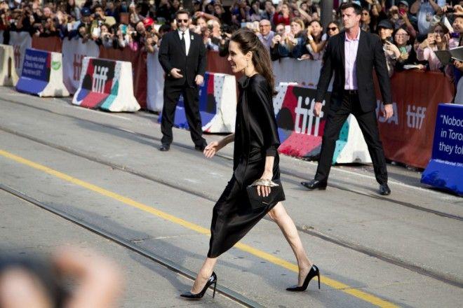 Но поклонники не могли не заметить, что Анджелина снова похудела так, что это может быть опасно для