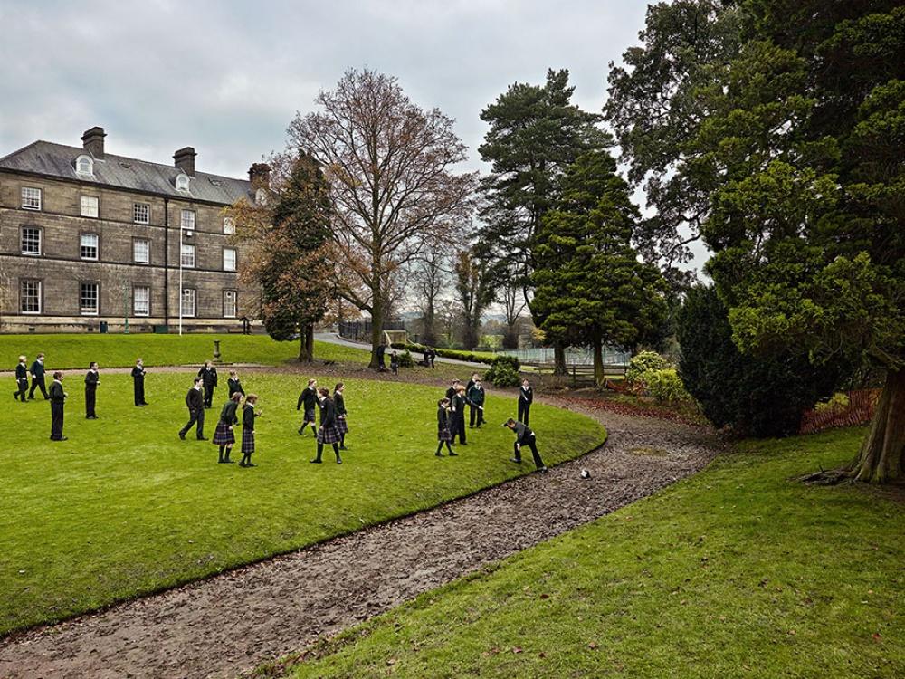 Как выглядят школьные площадки вразных странах мира (14 фото)