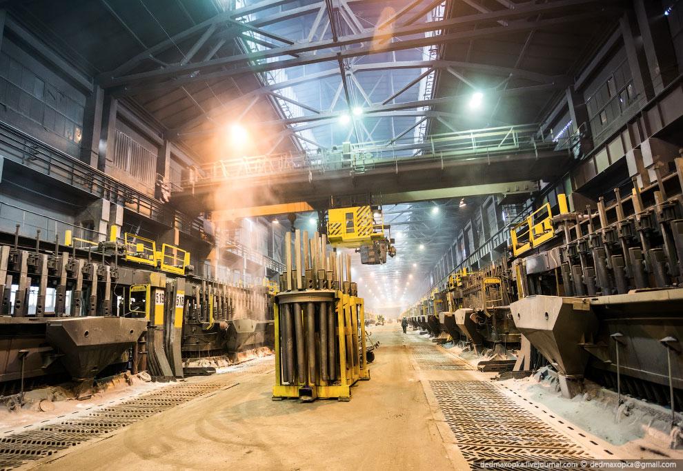 Производство алюминия является исключительно энергоемким. Поэтому алюминиевые заводы преимуще