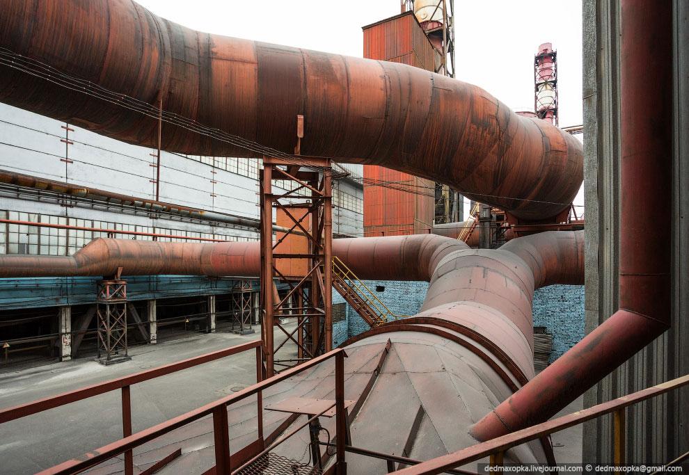 В производственный комплекс КрАЗа входит 3 литейных отделения. Ниже фотографии с литейного от