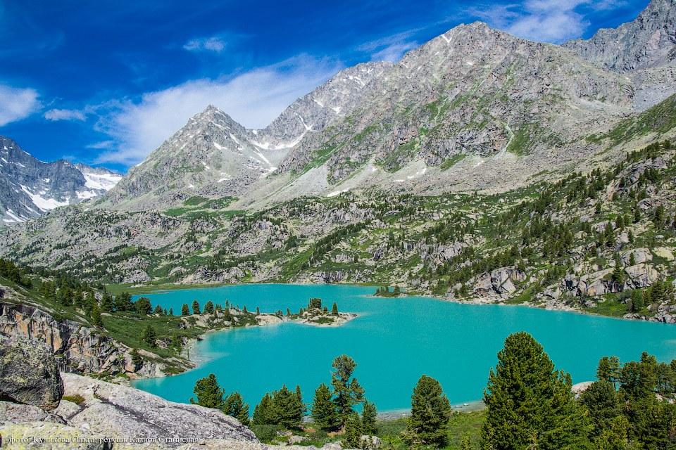 Сейчас на Алтай ежегодно приезжает до 1 млн туристов.