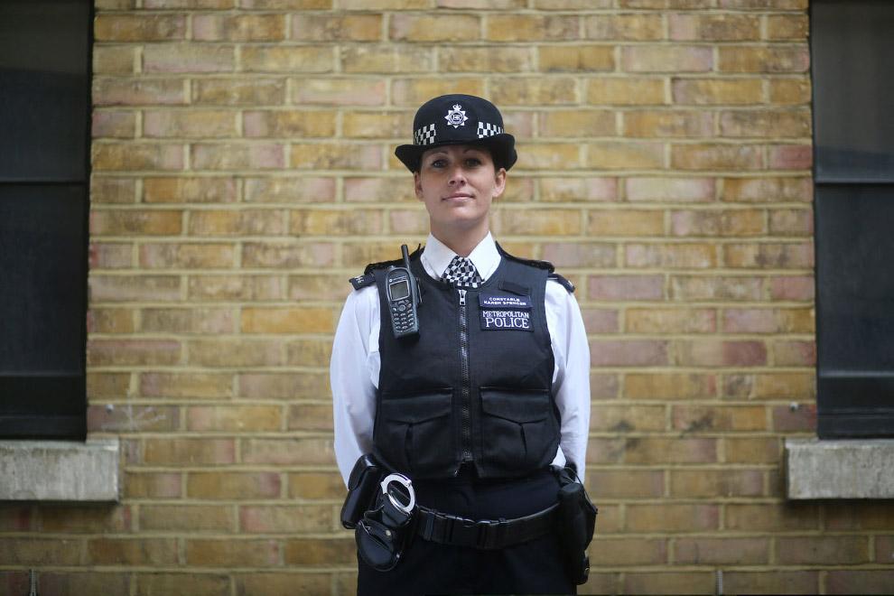 12. Полицейский из Лондона. (Фото PAUL HACKETT):
