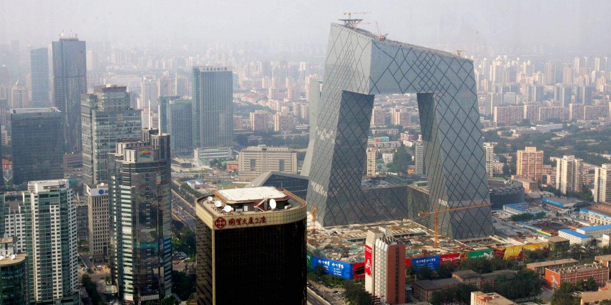 А сегодня в Пекине строятся шедевры экспериментальной современной архитектуры. Например, небоскреб C