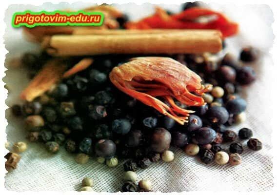 Основные ингредиенты для маринование овощей и фруктов