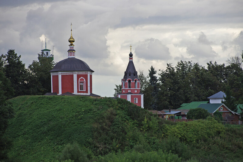 Успенская церковь и древний вал