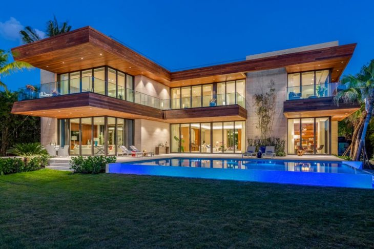 Choeff Levy Fischman designed this luxury contemporary two-storey residence situated in Miami Beach,