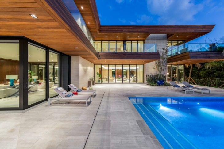 North Bay Road Residence by Choeff Levy Fischman