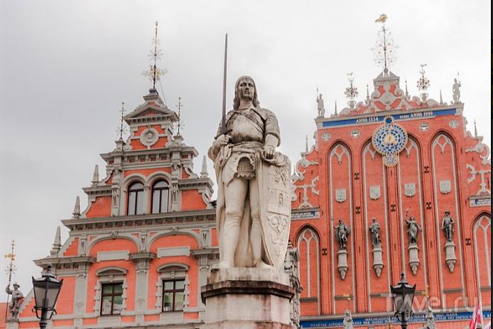Статуя  Св.  Роланда.png