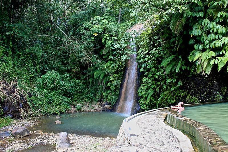 9. Ангсери, Бали Что может быть лучше, чем отдых в горячем источнике на волшебном острове Бали? Толь