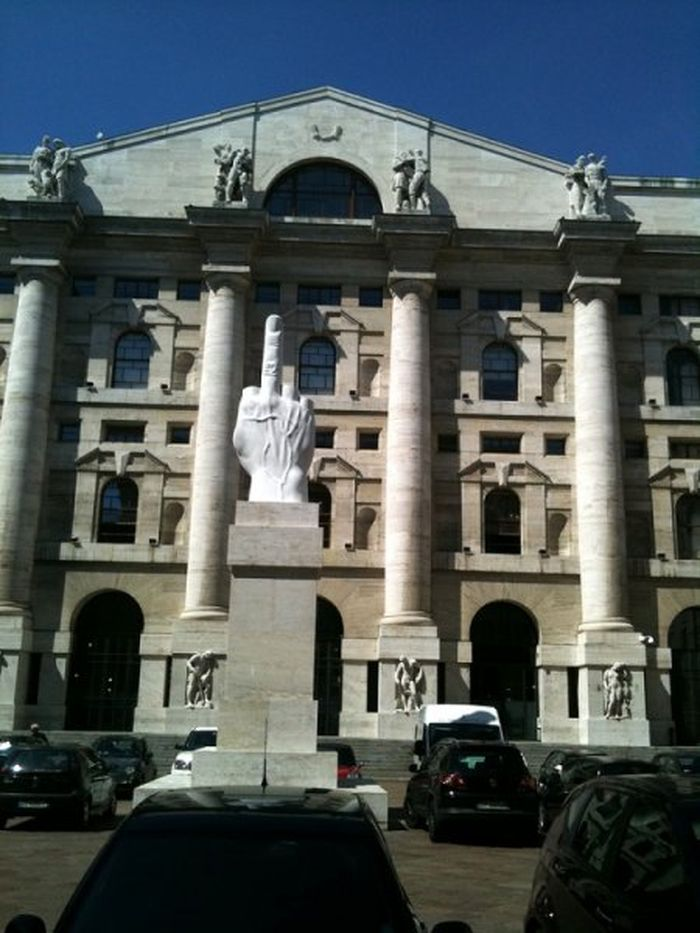 Главная часть монумента Яну Сибелиусу – это 600 сплавленных между собой мощных металлических т